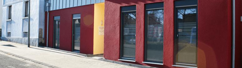 Gebäudeansicht der Praxis